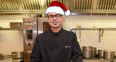 Eneko ya está preparando la cena de Navidad. ¡A ver si invita!