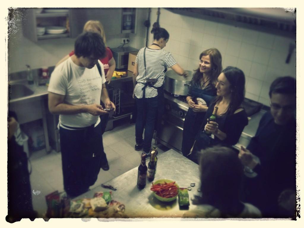 Afamados blogueros en la cocina del #txokotxeko.