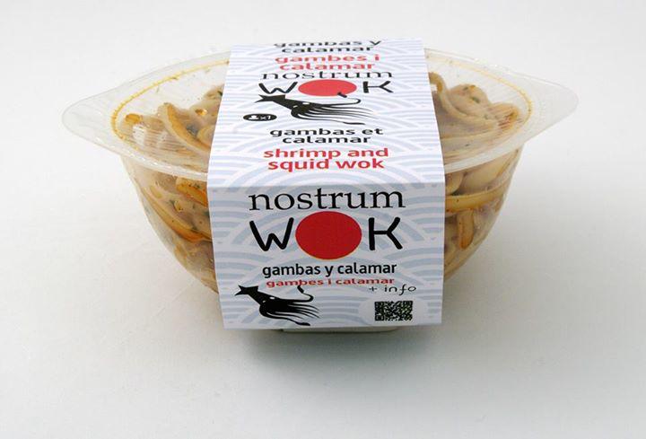 Chop-suey de gambas y calamar del nostrum.